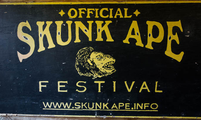 Skunk Ape Sign
